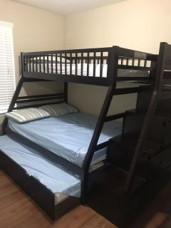 Bunk bed w/ trundle