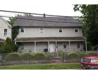 6 Bed 4 Bath Foreclosure Property in Hempstead, NY 11550 - Elm Ave