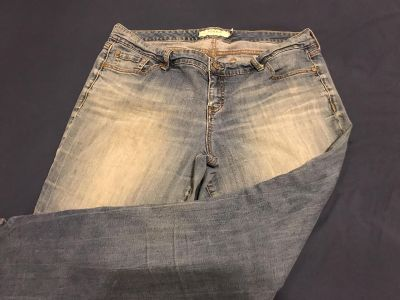 Torrid Stretchy Straight Leg Jeans. Size 18. Cotton/Spandex. Photo of Back Attached. EUC