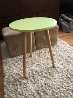 Small lightweight side table PPU COLUMBIA