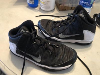 NIKE AIR WITHOUT A DOUBT BLACK BASKETBALL SHOES SIZE 3.5 YOUTH GREAT USED CONDITION