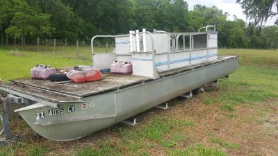 Looking for a single pontoon