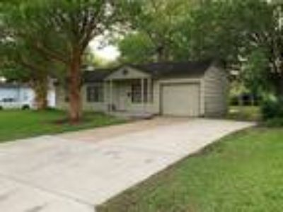 3 bd One BA 982 sqft house in Lake Jackson, TX