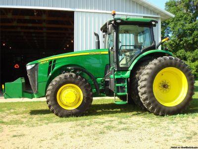 2012 John Deere 8235R Tractor For Sale in North Mankato, Minnesota 56003