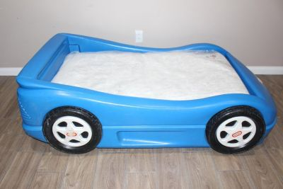 Little Tykes toddler bed- race car- blue