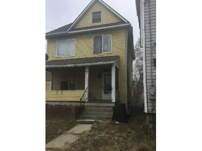 4 Bed 1.5 Bath Foreclosure Property in Butler, PA 16001 - Pillow St