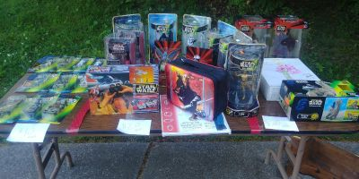 Lot of Old Star Wars figures/toys