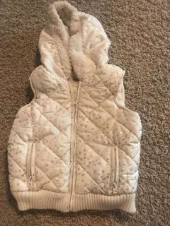 Girls White with metallic gold polka dots puffer vest - 4T
