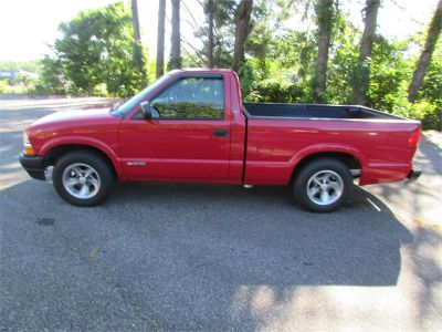 2003 Chevrolet S-10 Base (RED)