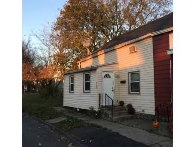 3 Bed 1 Bath Foreclosure Property in Troy, NY 12182 - 1st Ave
