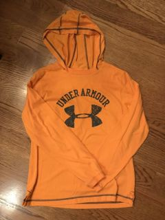 Under Armour hooded t-shirt, size youth large (fits like 12/14)