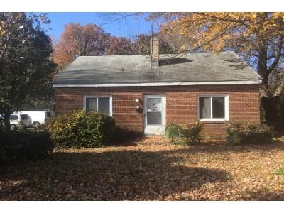 2 Bed 1.0 Bath Preforeclosure Property in Greensboro, NC 27407 - Merritt Dr