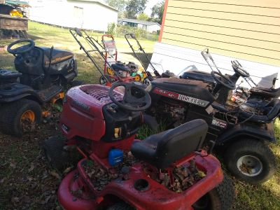Tractor for parts 500$