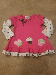 4T, RARE EDITIONS CUPCAKE TOP WITH A FEW STAINS