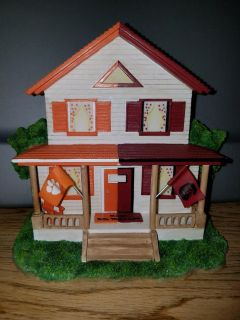 Clemson/Carolina House Divided figurine