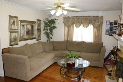 Sectional Sofa - Excellent Like New