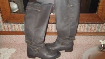 **BRAND NEW, NEVER WORN** Size 9M Italian Leather Boots from Nordstrom