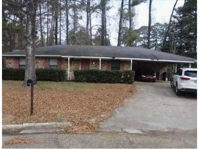 3 Bed 1 Bath Foreclosure Property in Jackson, MS 39212 - One Park Pl