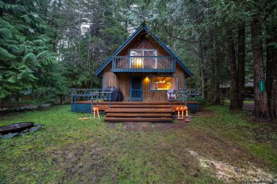 Mt. Baker Lodging Family Cabin Snowline #48 - Pets ok - Wood Stove