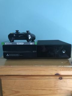 Xbox one day one edition plus game