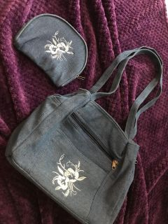 Jean purse! Soft & pockets galore! Matching make up bag. New without tags. Could be a gift.