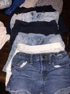 Levittown pick up. Girls size 4/6 lot. Must take all. $7.00.