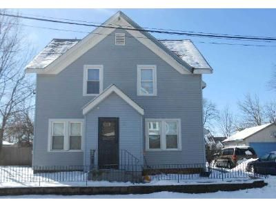 4 Bed 1.5 Bath Foreclosure Property in Pawtucket, RI 02861 - Home St