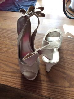 Forever 21 heels size 8