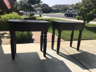 Set of two nightstands/end tables