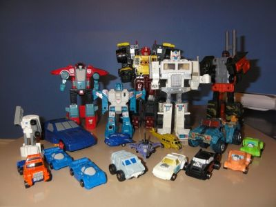 !!BUYING ANY AND ALL VINTAGE TRANSFORMERS FIGURES!!