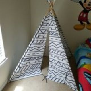 Child's indoor tent/teepee
