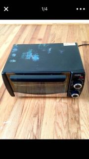 Black small toaster oven