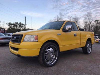 2004 Ford F-150 XL (YEL)