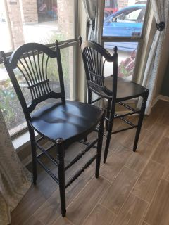 2 Black bar stools great condition