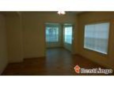 One BR 333 W Trade St #1810