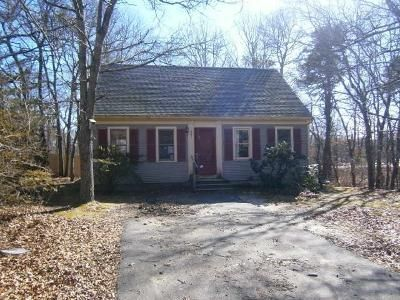 3 Bed 1 Bath Foreclosure Property in Hyannis, MA 02601 - Bishops Ter