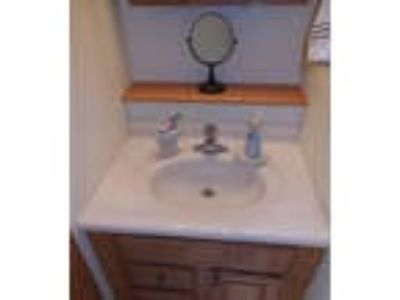 Well cared for Three BR Richland home. Washer/Dryer Hookups!