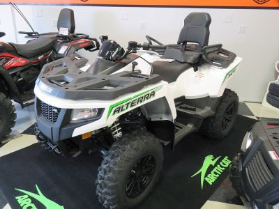 2017 Arctic Cat Alterra TRV 550 XT (white)