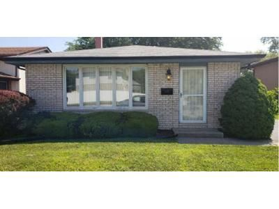 3 Bed 2 Bath Preforeclosure Property in Lansing, IL 60438 - Rose St