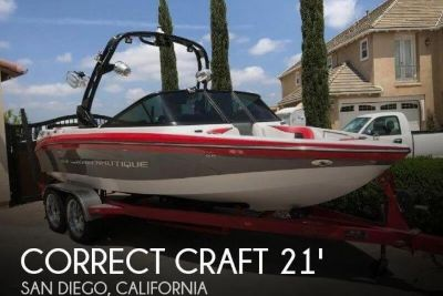 2011 Correct Craft Super Air Nautique 210