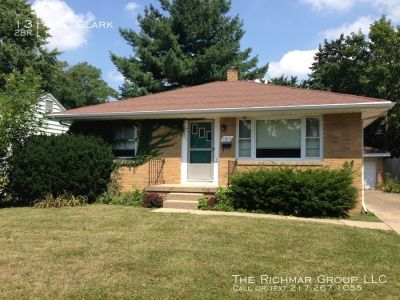 Cozy 2BR brick home in quiet Champaign neighborhood - Move in August 1!