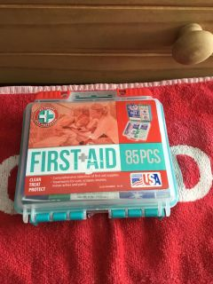 TRAVEL FIRST AID KIT - 85 PIECES