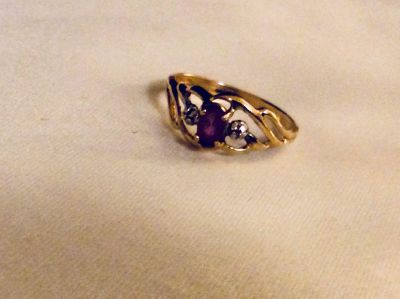 Real gold size small ring and small authentic amethyst gemstone