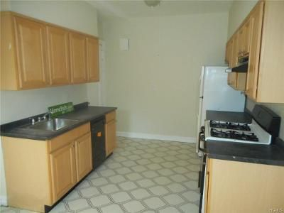 3 Bed 1 Bath Foreclosure Property in Bronxville, NY 10708 - Midland Ave Gr