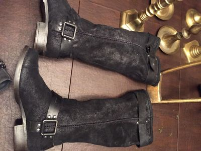 Ugg women's size 7 Moto oil rubbed boots. Never worn.