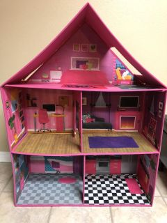 EUC Collapsible doll house