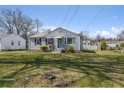 3 Bed 1.5 Bath Foreclosure Property in Wethersfield, CT 06109 - Albert Ave