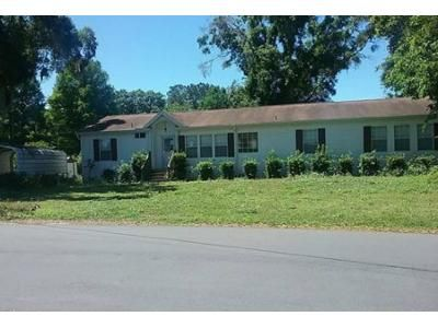 3 Bed 2 Bath Foreclosure Property in Inverness, FL 34450 - E Pike Dr