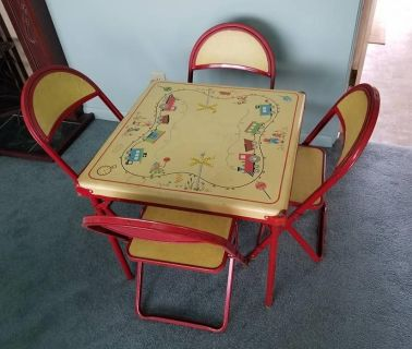 1940's Card Table and 4 Chairs!