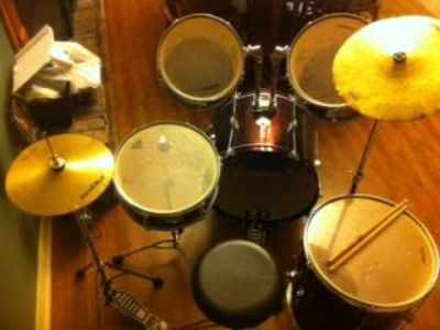 First Act 8 piece drum set